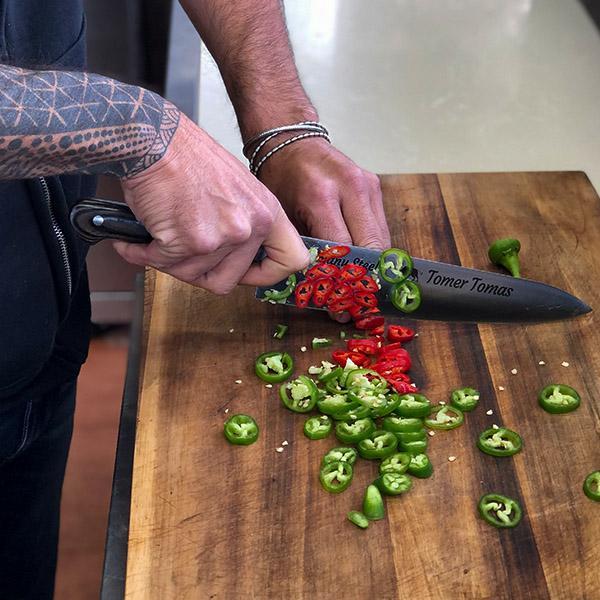 סכין תומר תומס